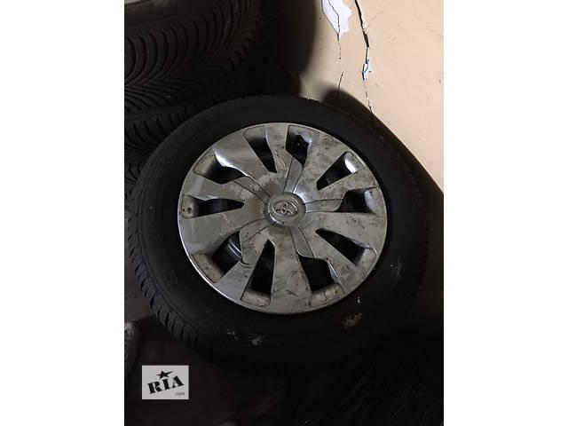 Б/у диск с шиной для хэтчбека Toyota Yaris- объявление о продаже  в Львове