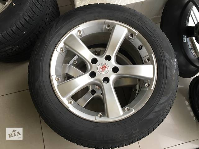 купить бу Б/у диск с шиной для кроссовера Ford Kuga R17 235/55 в Виннице