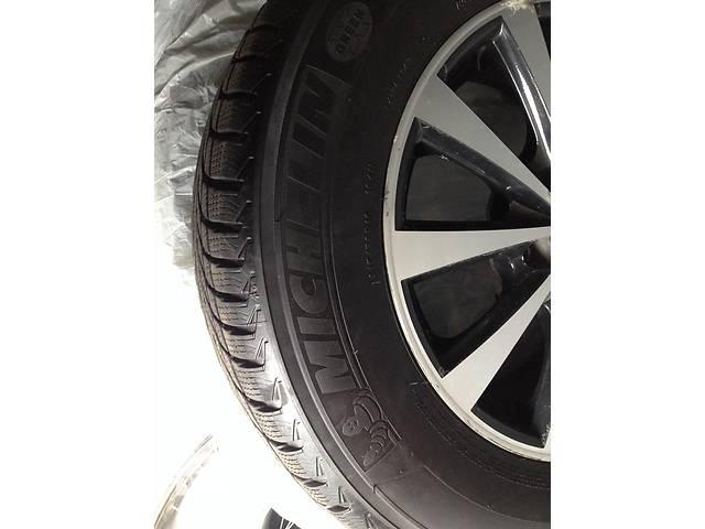 Б/у диск с шиной для кроссовера Nissan X-Trail- объявление о продаже  в Киеве