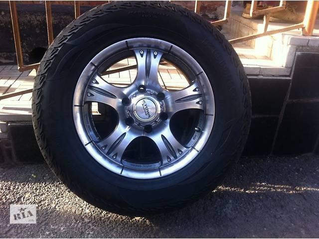 купить бу Б/у диск с шиной для кроссовера Toyota Land Cruiser Prado 120 в Кривом Роге