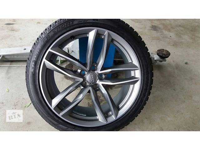 купить бу Б/у диск с шиной для легкового авто Audi S8 2016 265/40/20 в Ужгороде