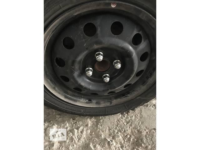 купить бу Б/у диск с шиной для легкового авто Hyundai Accent в Киеве