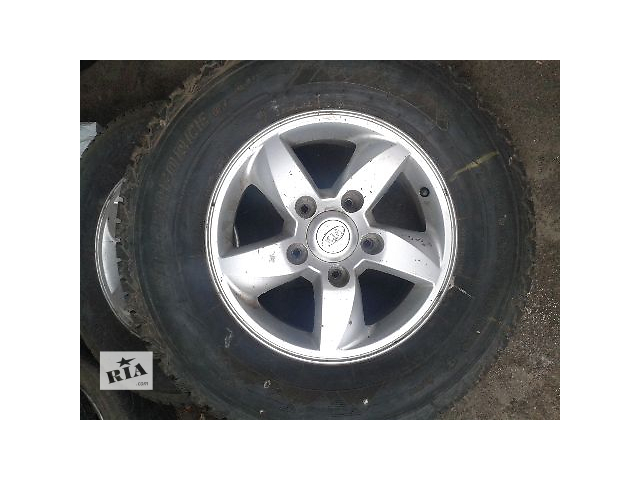 бу Б/у диск с шиной для легкового авто Kia Sorento 2007 в Конотопе