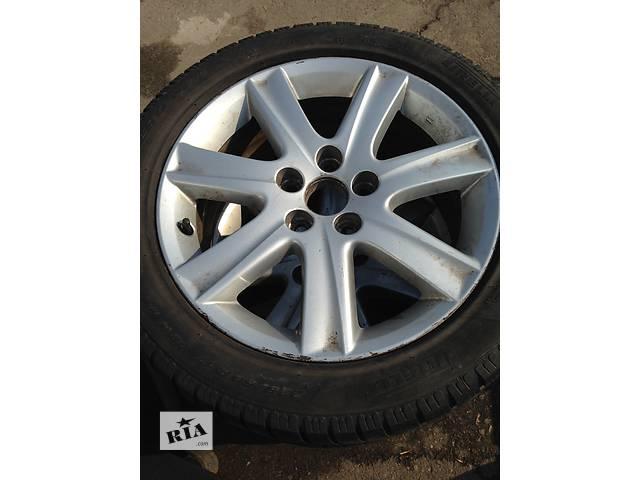 купить бу Б/у диск с шиной для легкового авто Lexus ES в Ровно