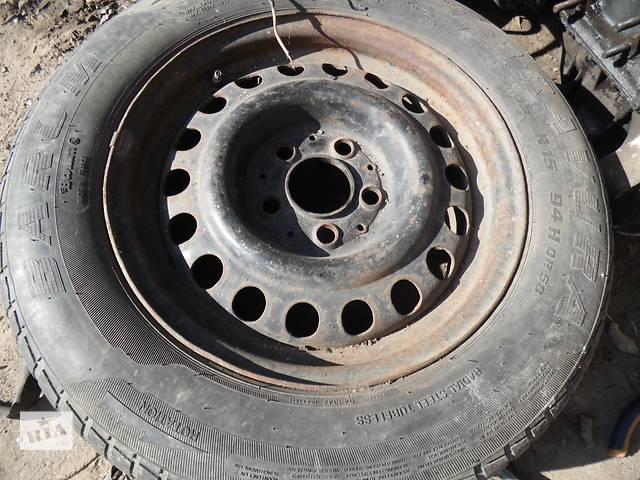 бу Б/у диск с шиной для легкового авто Mercedes 123 в Дубно (Ровенской обл.)