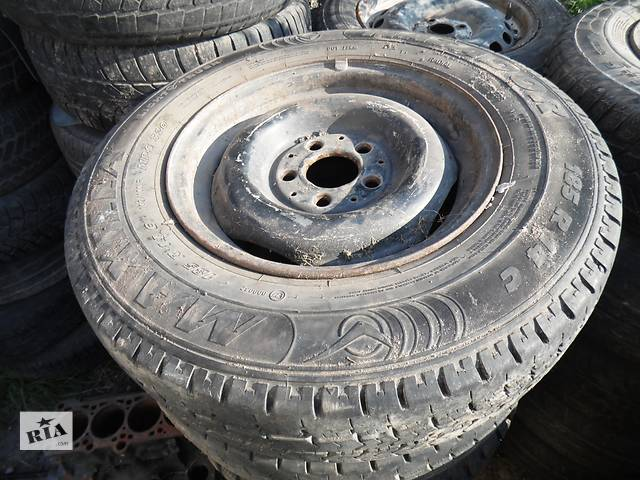 бу Б/у диск с шиной для легкового авто Mercedes 123 в Дубно