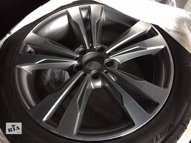 продам Б/у диск с шиной для легкового авто Mercedes S-Class 245/45/19 бу в Ужгороде