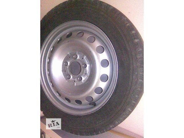 купить бу Б/у диск с шиной для легкового авто Mercedes Vito радиус 16 в Киеве