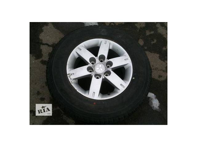 купить бу Б/у диск с шиной для легкового авто Mitsubishi Pajero Wagon в Ровно