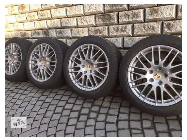 купить бу Б/у диск с шиной для легкового авто Porsche Cayenne Turbo 275/45/20.pirelli ice i snow. в Ужгороде