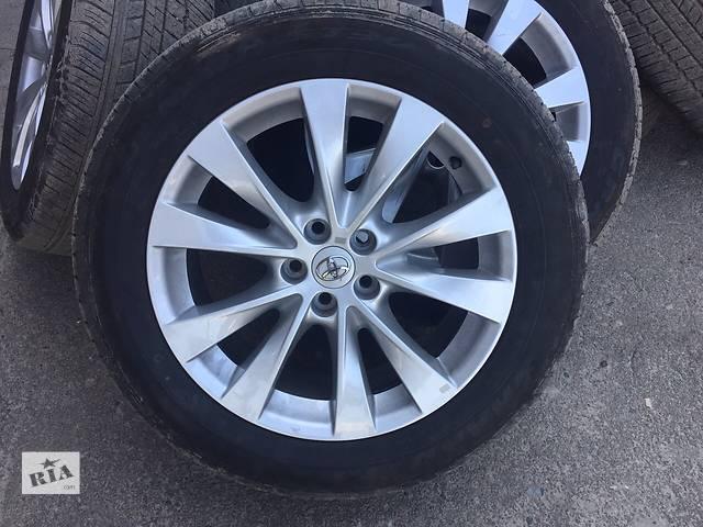 купить бу Б/у диск с шиной для легкового авто Toyota Venza в Ровно
