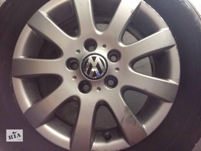 продам Б/у диск с шиной для легкового авто Volkswagen бу в Львове