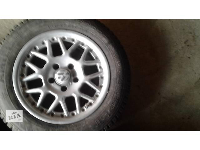 купить бу Б/у диск с шиной для легкового авто Volkswagen в Тульчине