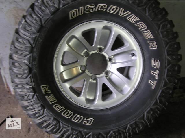 купить бу Б/у диск с шиной для легкового авто в Дрогобыче