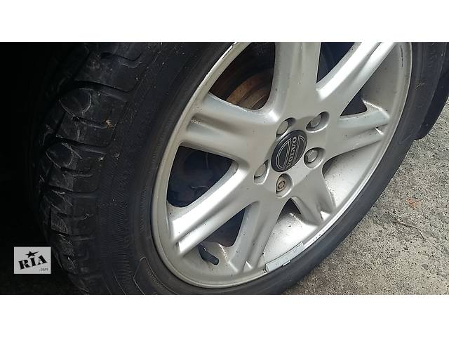 купить бу Б/у диск с шиной для седана Volvo S80 в Луцке