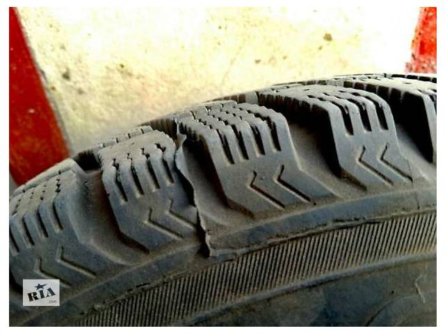 продам Б/у диск с шиной для седана бу в Луцке