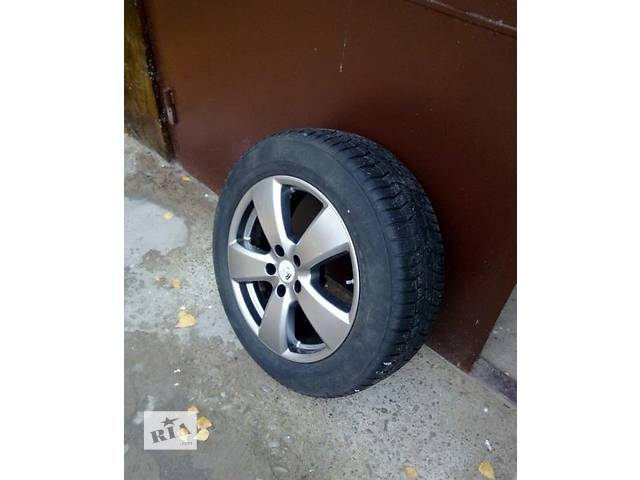 бу Б/у диск з шиною для легкового авто Chrysler 300C 5x114,3R 18 в Ужгороде