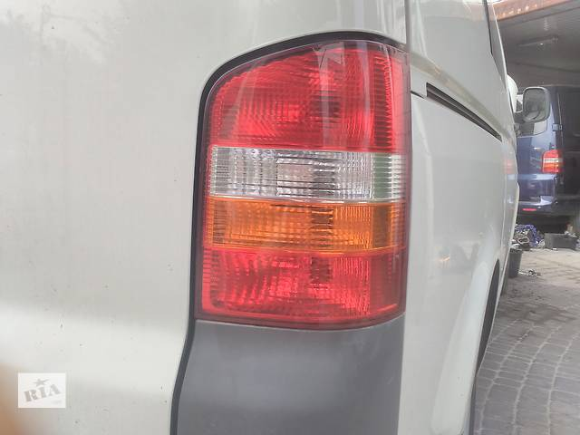 б/у Электрооборудование кузова Фонарь задний Легковой Volkswagen T5 (Transporter)- объявление о продаже  в Ковеле