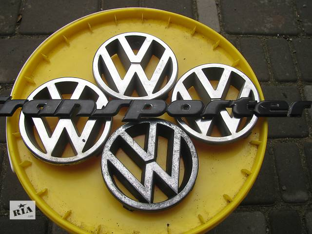 продам Б/у емблема для легкового авто Volkswagen T4 (Transporter) бу в Яворове (Львовской обл.)