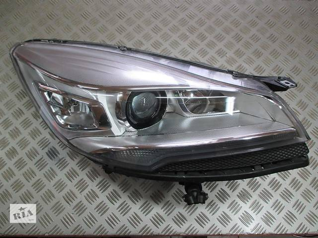 бу Б/у фара для легкового авто Ford Kuga в Чернигове