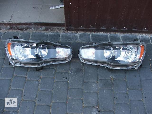 продам Б/у фара для легкового авто Mitsubishi Lancer X бу в Ровно