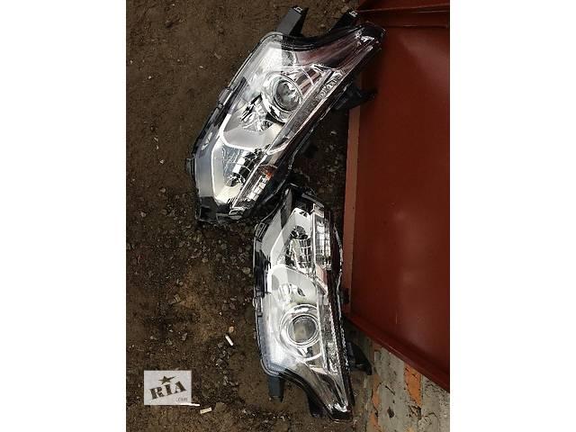купить бу Б/у фара для легкового авто Mitsubishi Outlander в Киеве