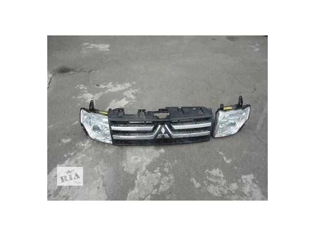 продам Б/у фара для легкового авто Mitsubishi Pajero Wagon бу в Ровно