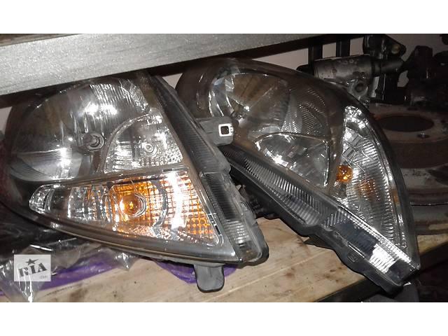 продам Б/у фара для легкового авто Opel Vivaro бу в Львове