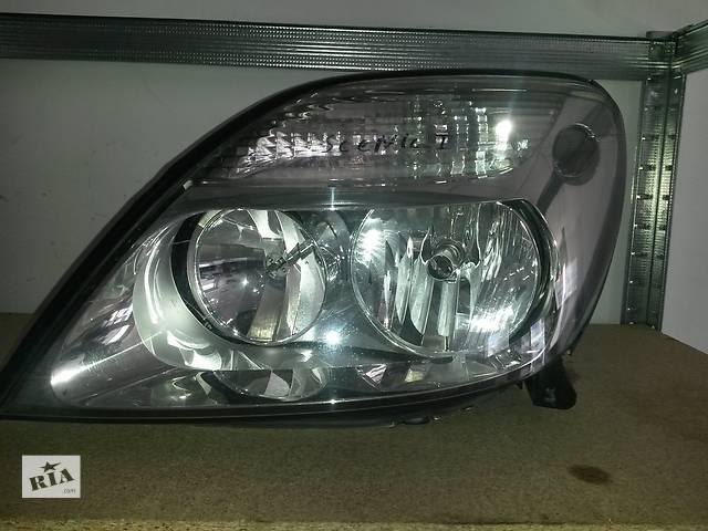 купить бу Б/у передняя левая оптика фара для легкового авто Renault Scenic Рено Сценик в Луцке