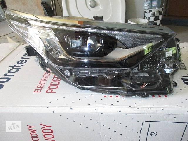 купить бу Б/у фара для легкового авто Toyota Auris в Ровно