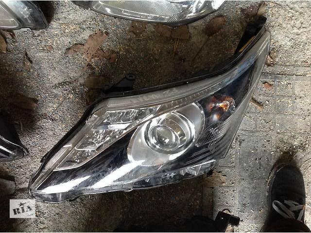 продам Б/у фара для легкового авто Toyota Avensis бу в Ровно