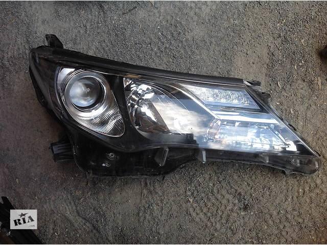 продам Б/у фара для легкового авто Toyota Rav 4 бу в Ровно