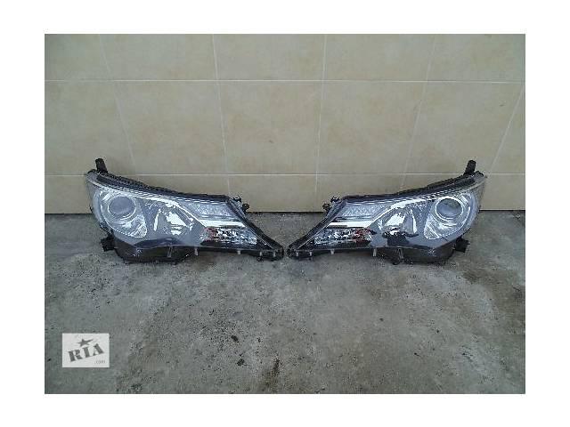 купить бу Б/у фара для легкового авто Toyota Rav 4 в Ровно