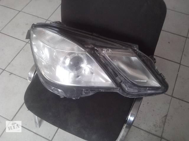 купить бу Б/у фара для седана Mercedes E-Class в Славянске