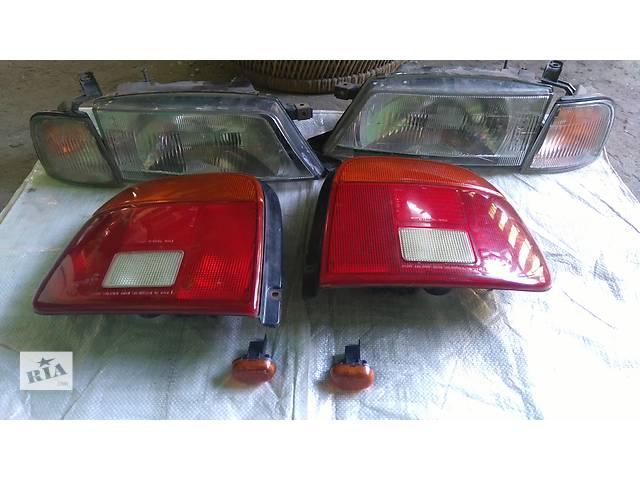 продам Б/у фара для седана Suzuki Baleno бу в Одессе