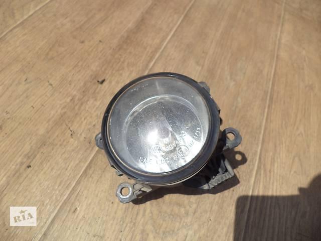 купить бу Б/у фара противотуманная передняя правая LR001587, 6H52-15K201-AA для кроссовера Land Rover Freeland в Николаеве