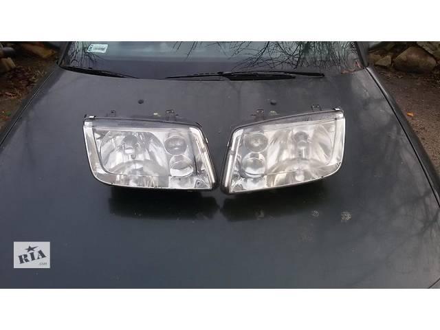 продам б/у Фары передние левая и правая Volkswagen Bora 99-2005 бу в Львове