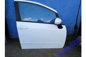 б/у Двери передние Fiat Linea