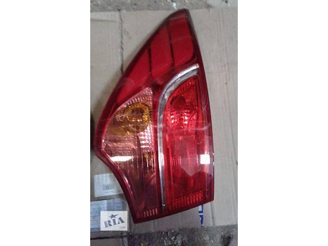 купить бу Б/у фонарь стоп задній лівий для легкового авто Hyundai Santa FE 2013-17 в Ровно