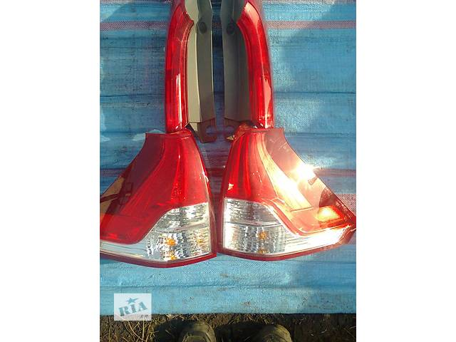 продам Б/у фонарь задний для легкового авто Honda CR-V iv бу в Львове