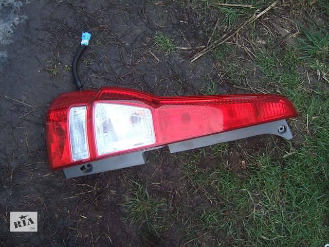 продам Б/у фонарь задний для легкового авто Honda CR-V бу в Ровно