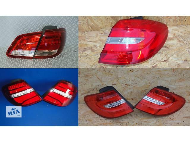 купить бу Б/у фонарь задний для легкового авто Mercedes B-Class w246 11- в Львове
