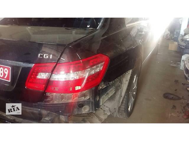 купить бу Б/у фонарь задний для легкового авто Mercedes E-Class в Киеве