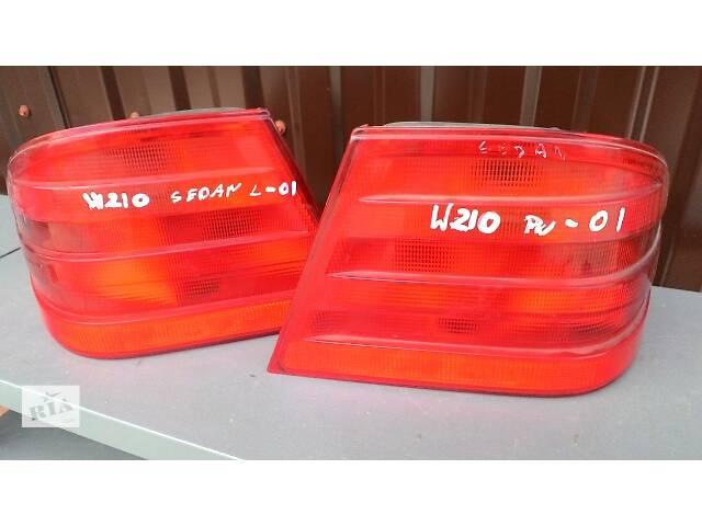 купить бу Б/у фонарь задний для легкового авто Mercedes E-Class в Яворове (Львовской обл.)