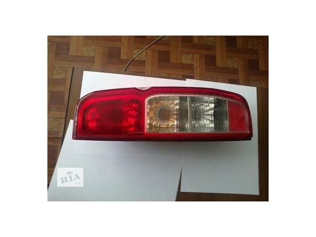 продам Б/у фонарь задний для легкового авто Nissan Navara бу в Ровно