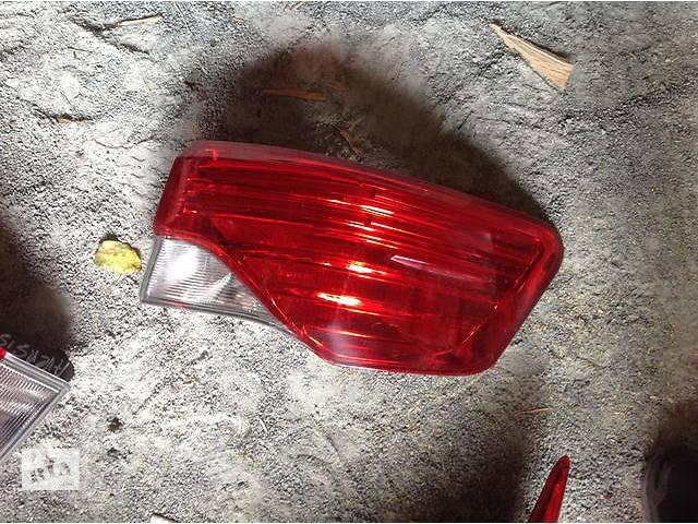купить бу Б/у фонарь задний для легкового авто Toyota Avensis в Ровно
