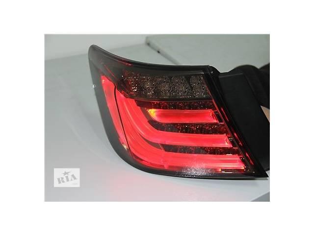 Б/у фонарь задний для легкового авто Toyota Camry- объявление о продаже  в Ровно