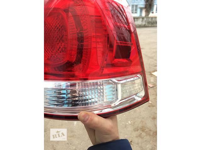 продам Б/у фонарь задний для легкового авто Toyota Land Cruiser 200 бу в Ровно