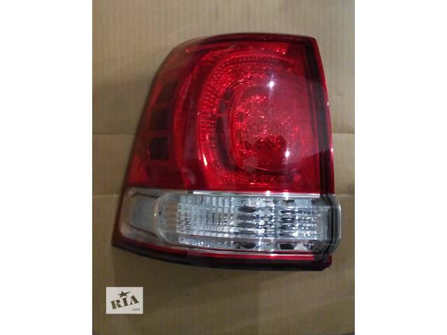 купить бу Б/у фонарь задний для легкового авто Toyota Land Cruiser 200 в Киеве