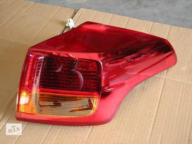 купить бу Б/у фонарь задний для легкового авто Toyota Rav 4 в Ровно